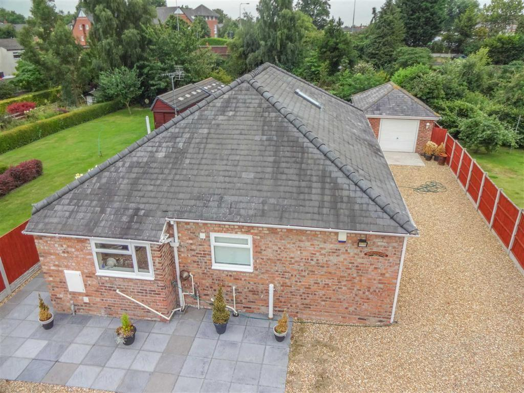 4 Bedrooms Detached Bungalow for sale in Shed Lane, Great Boughton, Chester, Chester