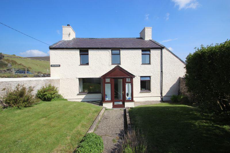 3 Bedrooms Detached House for sale in Dinorwic, Gwynedd
