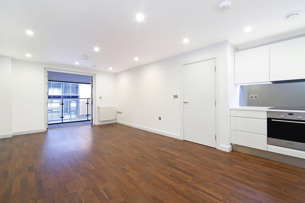2 Bedrooms Flat for sale in Wharf Street, Deptford, London, SE8