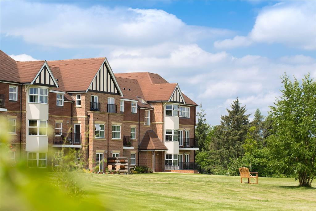 1 Bedroom Retirement Property for sale in Flat 1 Cavendish House, Bramshott Place, King Georges Drive, Liphook, GU30