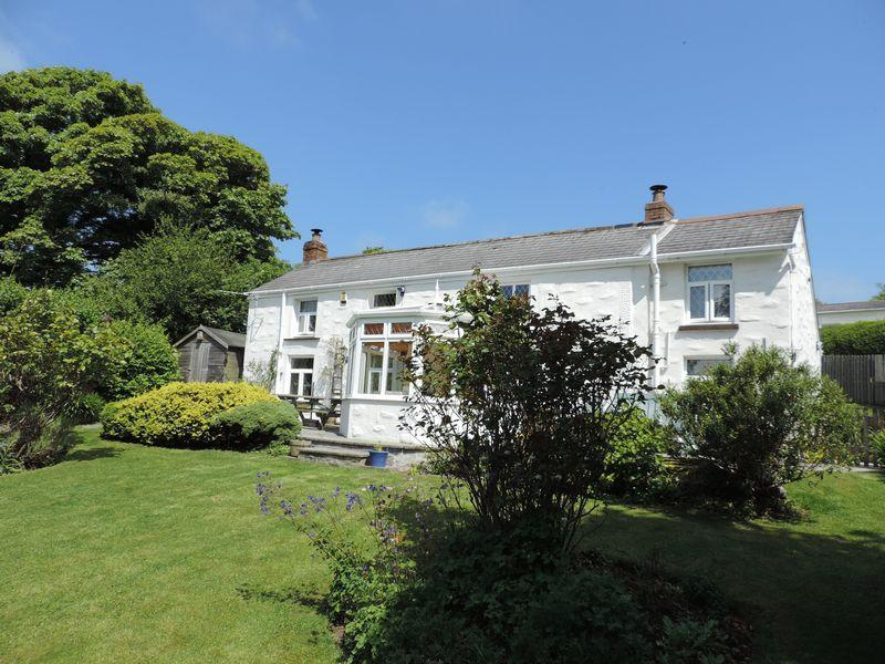 3 Bedrooms Detached House for sale in Besore, Truro