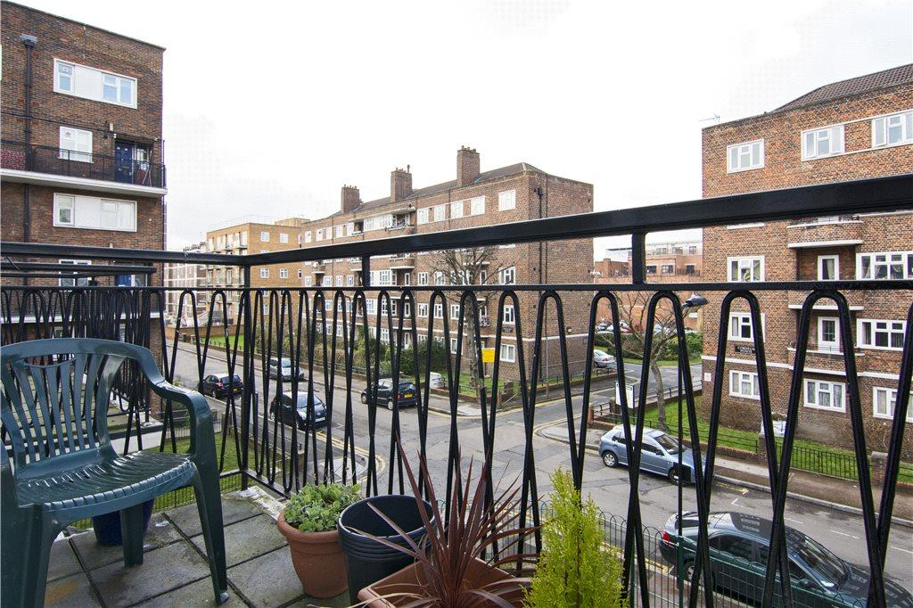 3 Bedrooms Flat for sale in Monteagle Court, Geffrye Estate, London, N1