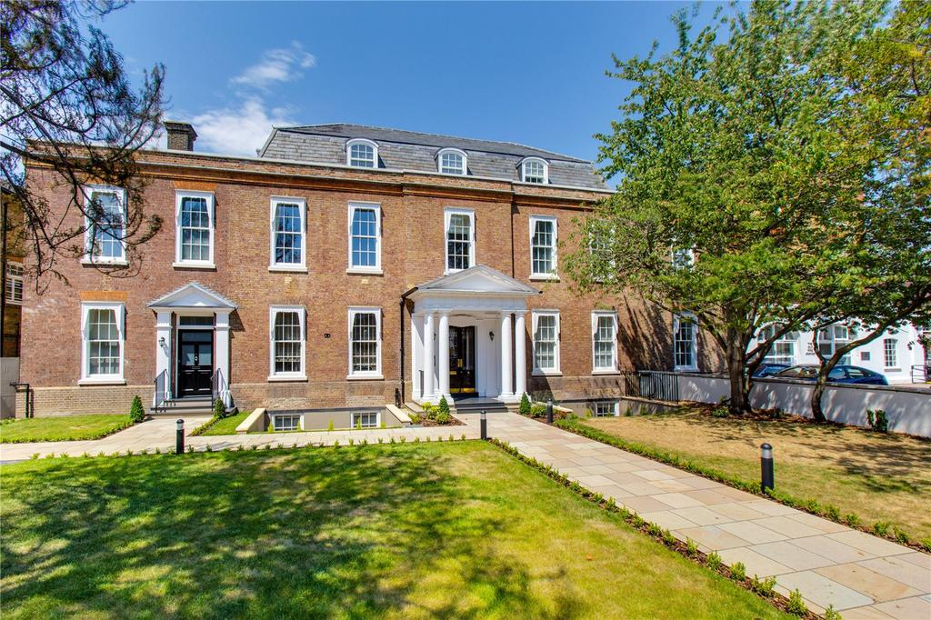 2 Bedrooms Flat for sale in The Limes, Mortlake High Street, London