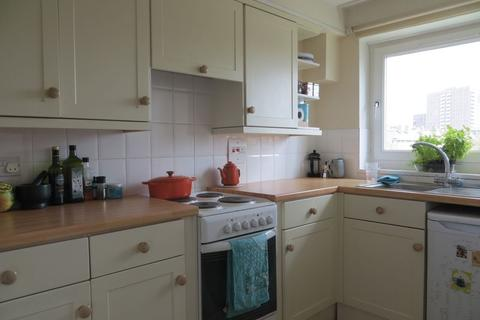 1 bedroom flat to rent - Regent Square, Bow, E3