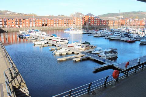 2 bedroom apartment to rent - Meridian Towers, Swansea