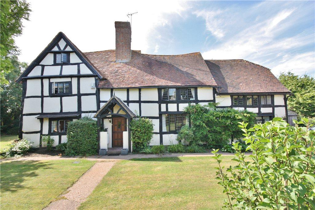 5 Bedrooms Detached House for sale in Earls Common Road, Stock Green, Worcestershire, B96