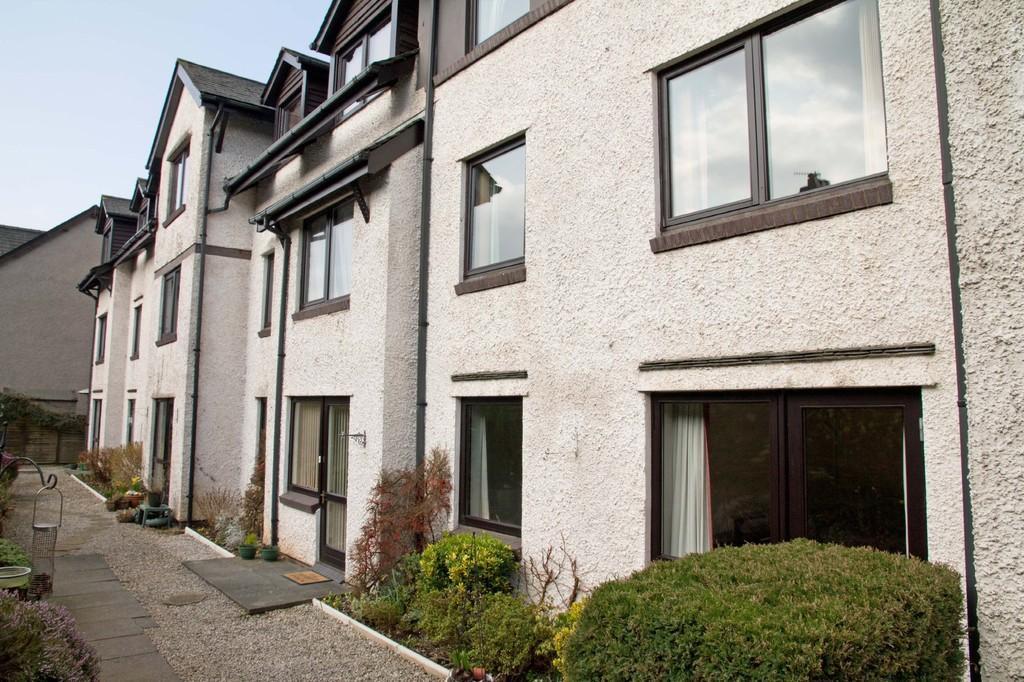 1 Bedroom Ground Flat for sale in 1 Alexandra Court, Ellerthwaite Road, Windermere, Cumbria, LA23 2PR