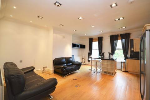 2 bedroom flat to rent - Churchfield Road, Acton W3 6DL