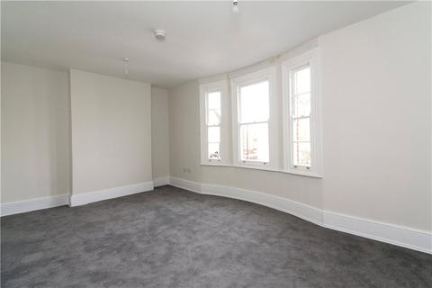 3 bedroom flat to rent - Mare Street, London, E8