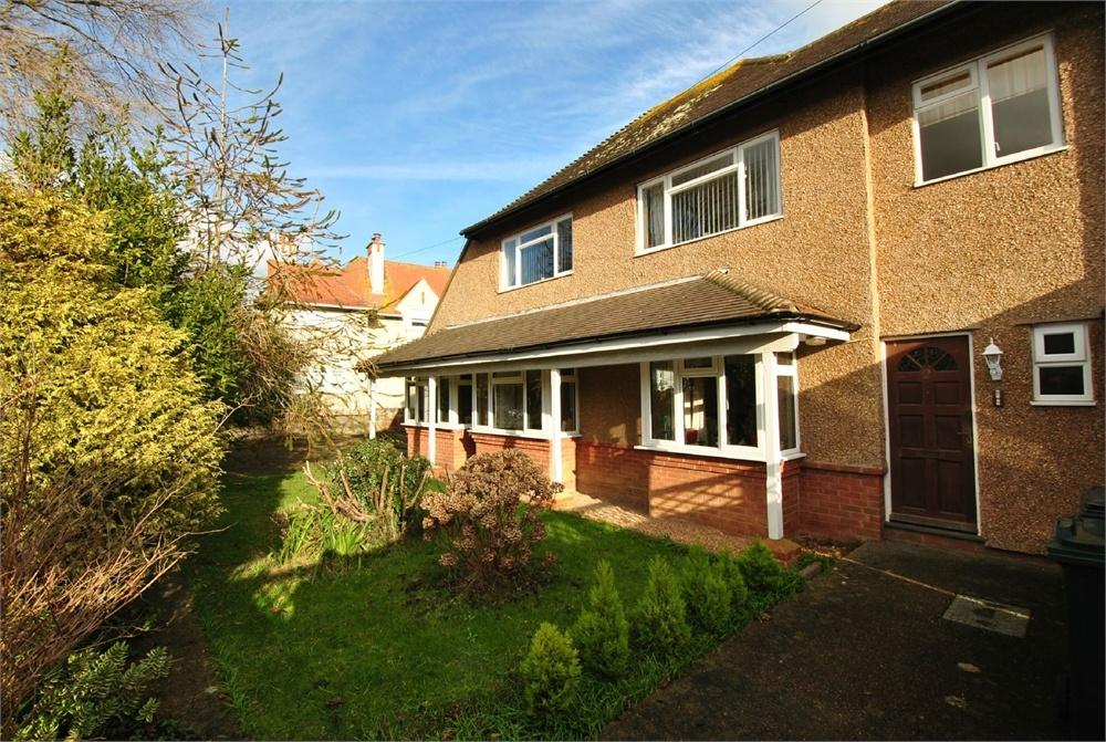 2 Bedrooms Flat for sale in Westville Road, BEXHILL-ON-SEA, East Sussex