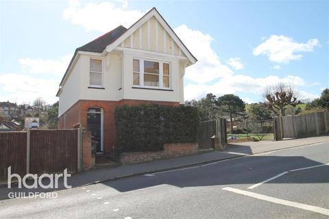 Studio to rent - Farnham Road