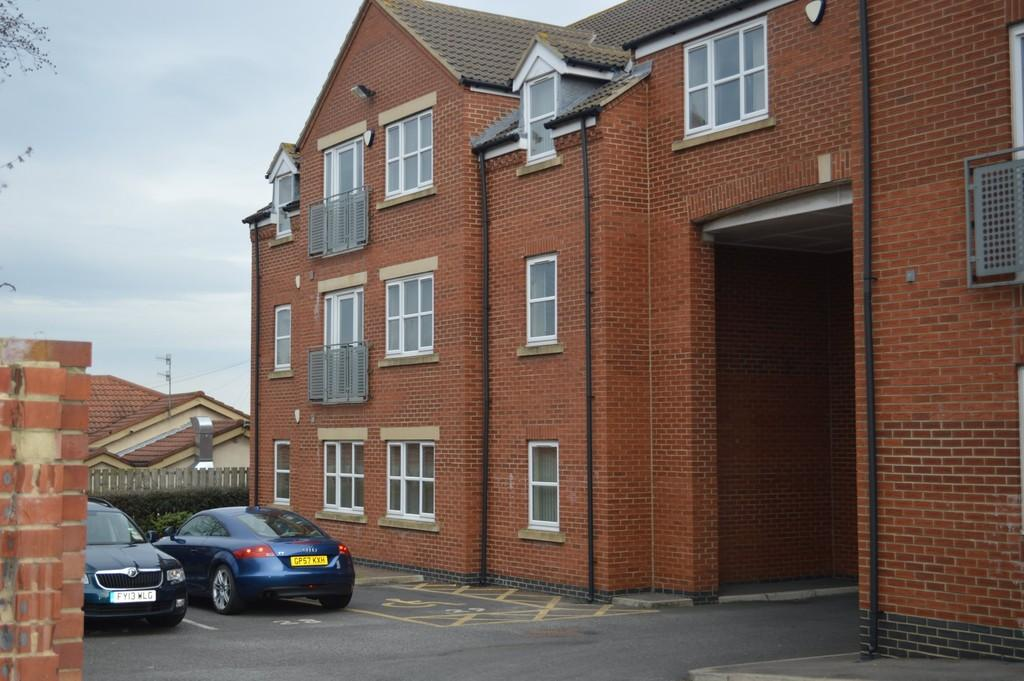 2 Bedrooms Flat for sale in Dovedale Court, Seaham, SR7 0HL