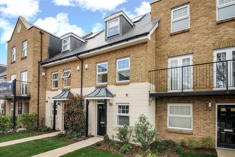 4 bedroom terraced house to rent - Mackintosh Street, Bromley, BR2
