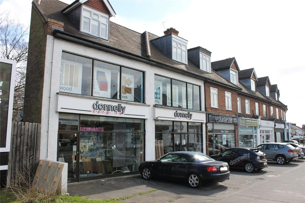 2 Bedrooms Apartment Flat for sale in North Street, Hornchurch, RM11