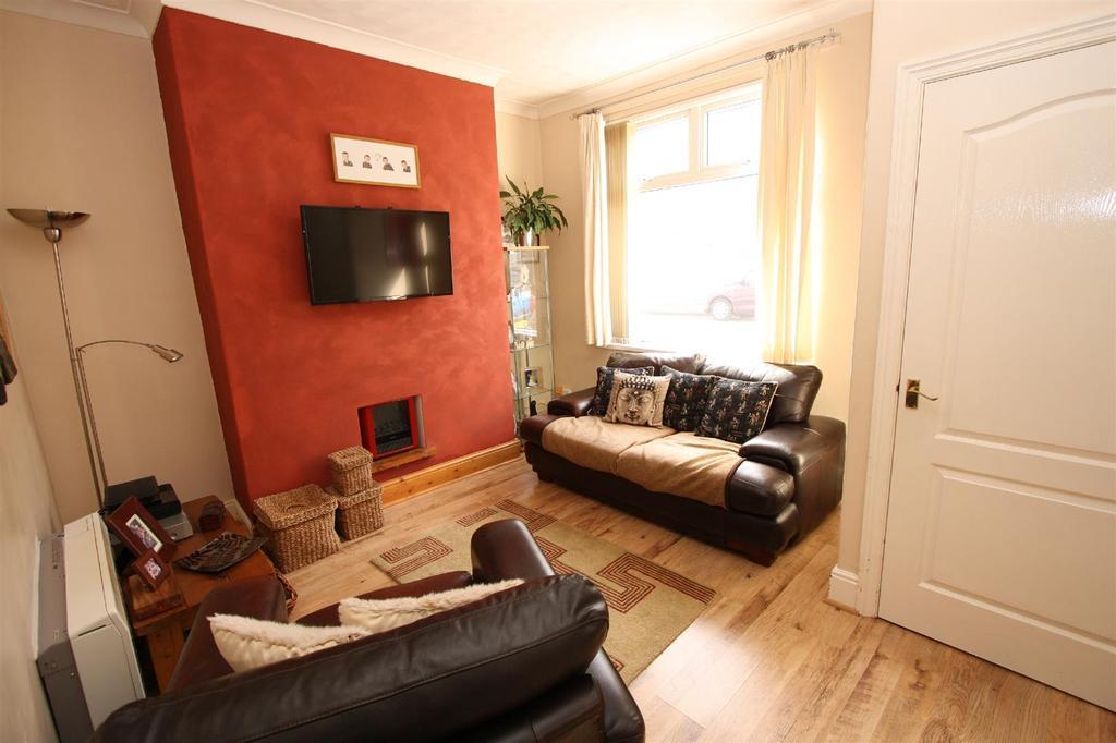 2 Bedrooms Terraced House for sale in Brougham Street, Darlington
