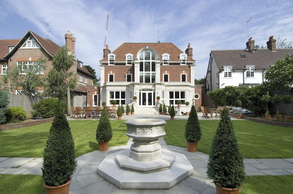 6 Bedrooms Detached House for sale in The Bishops Avenue
