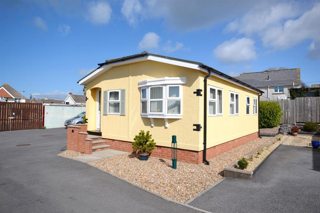 2 Bedrooms Park Home Mobile Home for sale in Carmarthen Road, Kilgetty