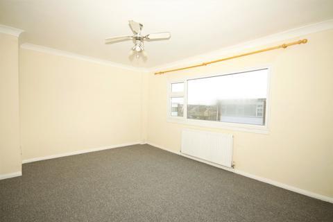 2 bedroom townhouse to rent - Tonge Road, Sittingbourne