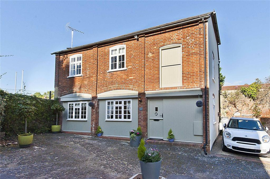 2 Bedrooms Unique Property for sale in West Street, Farnham, Surrey, GU9