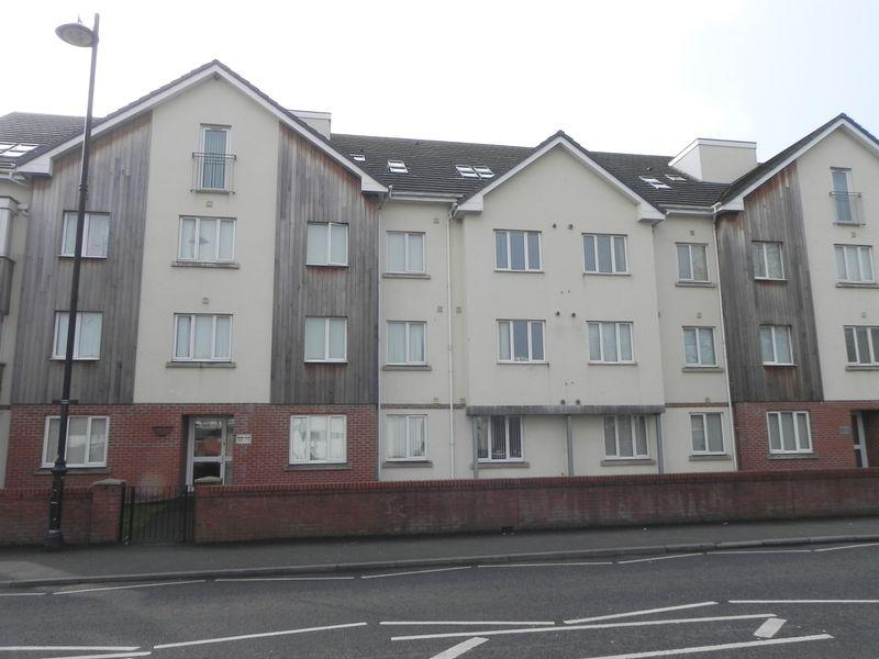 2 Bedrooms Apartment Flat for rent in New Chester Road, Wirral