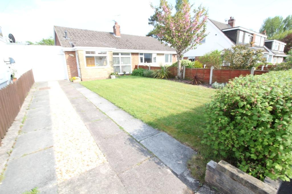 2 Bedrooms Bungalow for sale in Trent Avenue, Maghull