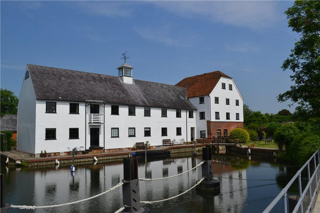 3 Bedrooms Flat for sale in Hambleden Mill, Hambleden, Henley-On-Thames, Buckinghamshire, RG9