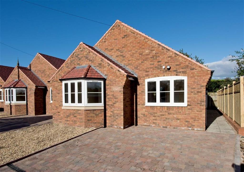 2 Bedrooms Detached Bungalow for sale in 3 The Fold, Mill Lane, Wombourne, Wolverhampton, South Staffordshire, WV5