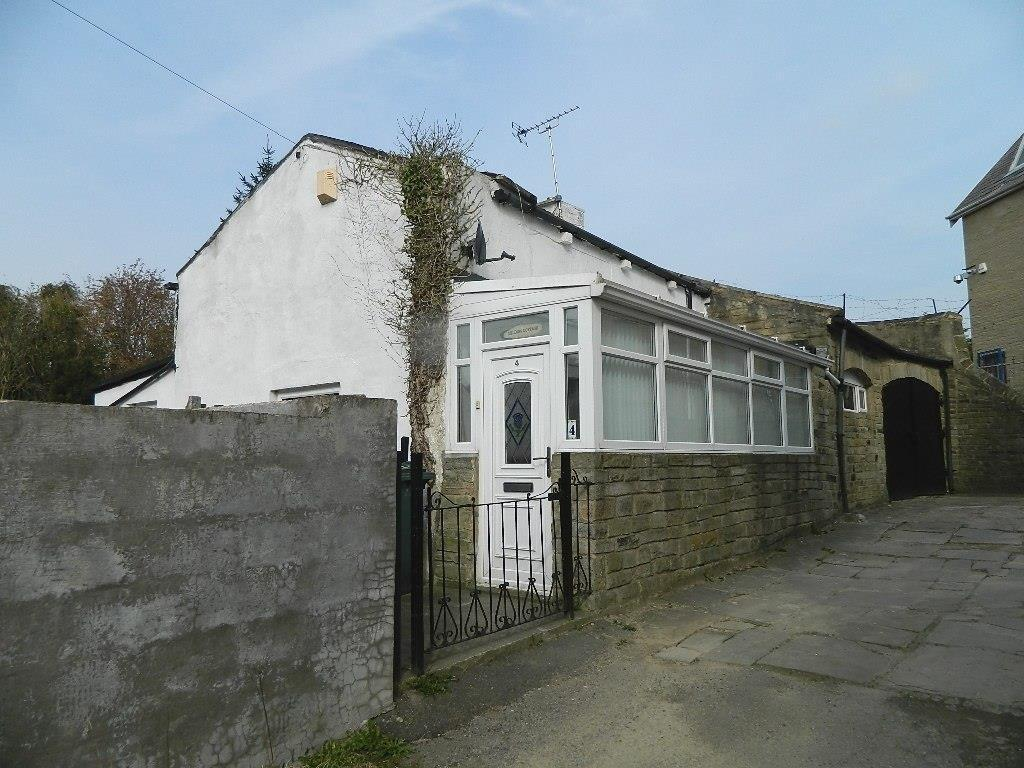 3 Bedrooms Detached House for sale in Idle Road, Bradford, BD2 4QB
