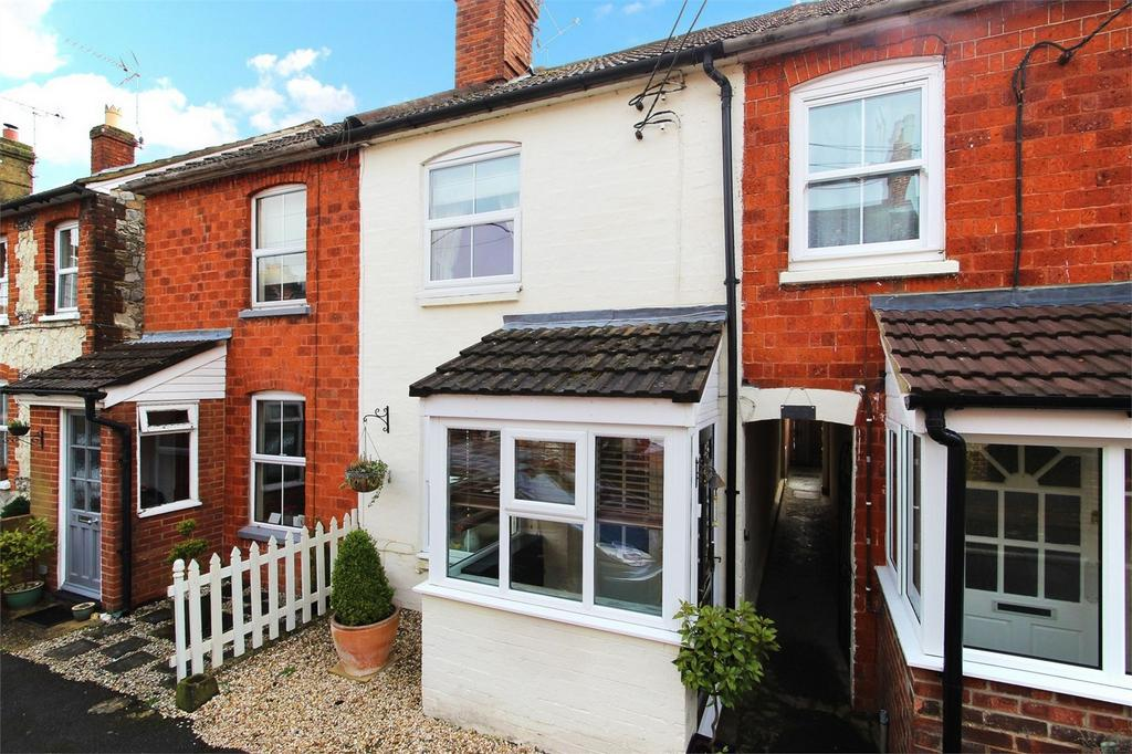 3 Bedrooms Terraced House for sale in Grove Road, ALTON, Hampshire