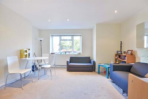 2 bedroom flat to rent - Vines Avenue, Finchley Central, N3