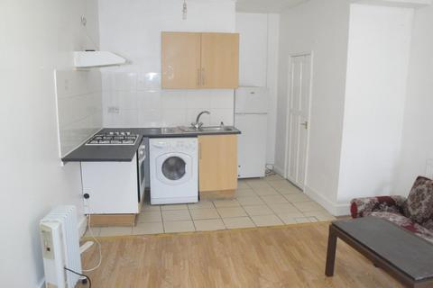 1 bedroom flat to rent -  Green Lane, Goodmayes, Ilford, IG3