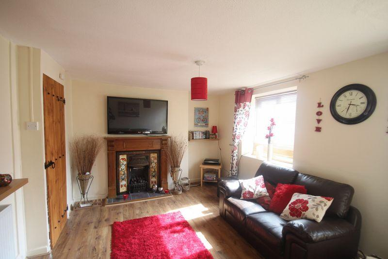 3 Bedrooms Semi Detached House for sale in Llanfairpwllgwyngyll, Anglesey