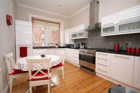 3 bedroom flat to rent - Waverley Street, Shawlands, Glasgow, G41 2DY