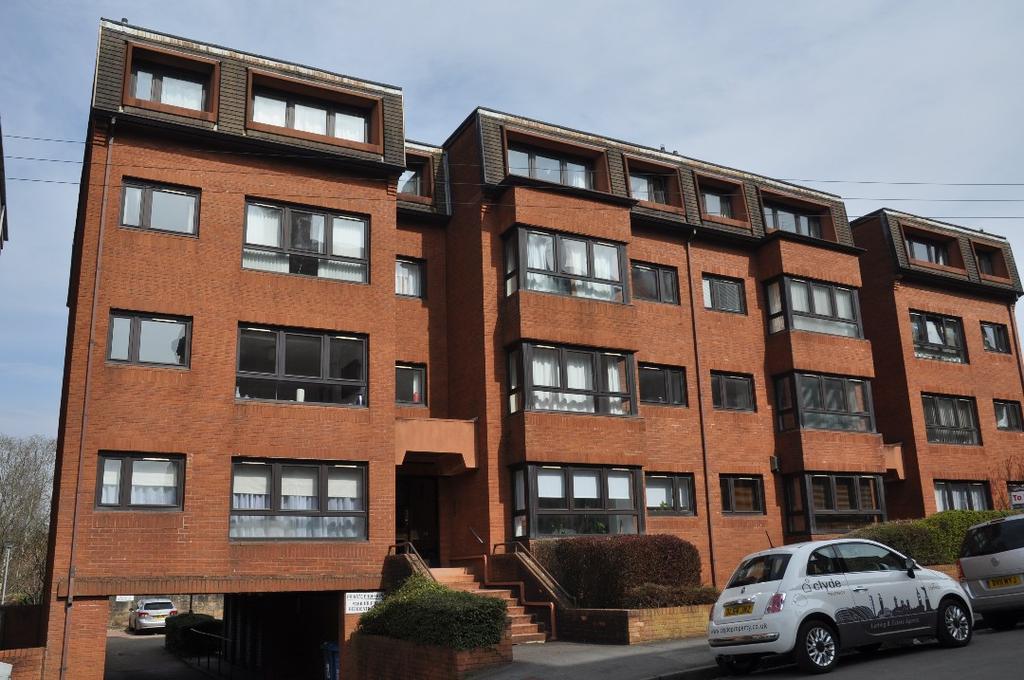 2 Bedrooms Flat for rent in Novar Drive, Flat 1, Hyndland, Glasgow, G12 9PU