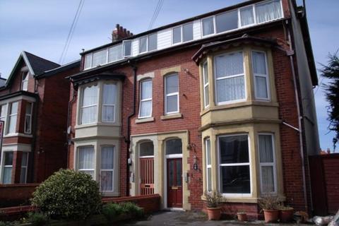 2 bedroom flat to rent - Derbe Road, Lytham St Annes, FY8