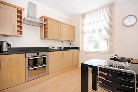 2 bedroom flat to rent - West Eaton Place, Belgravia, London