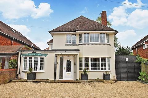 4 bedroom detached house to rent - Holtspur Top Lane, Beaconsfield, HP9
