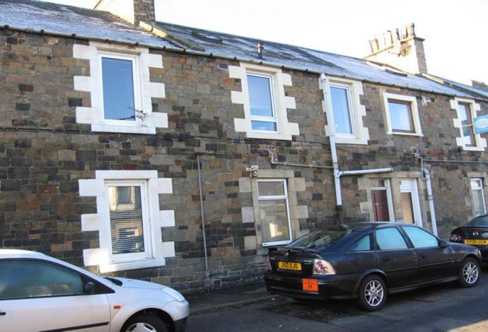 2 Bedrooms Flat for sale in 14b Curror Street, Selkirk, TD7 4HF