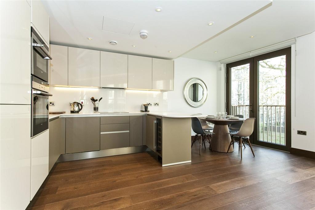 2 Bedrooms Flat for sale in St Dunstan's Court, Fetter Lane, London
