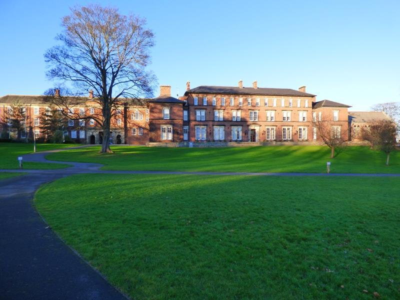 2 Bedrooms Apartment Flat for sale in THE OLD COLLEGE, STEVEN WAY, RIPON, HG4 2TQ