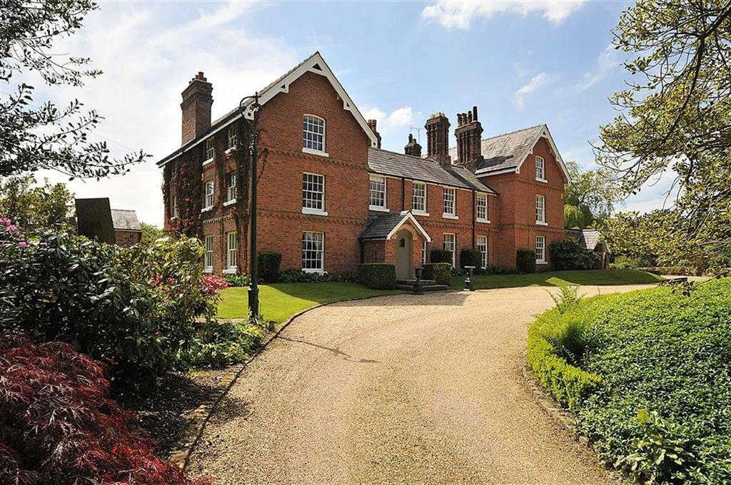 7 Bedrooms Detached House for sale in Peover Lane, Snelson