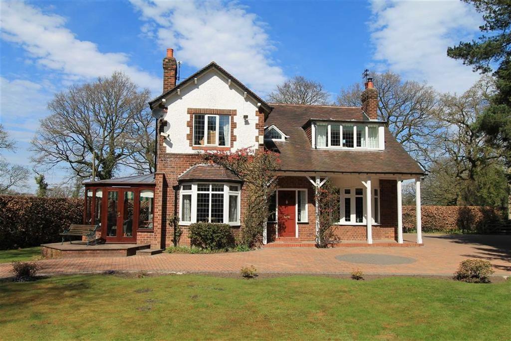 4 Bedrooms Detached House for sale in Davenport Lane, Mobberley