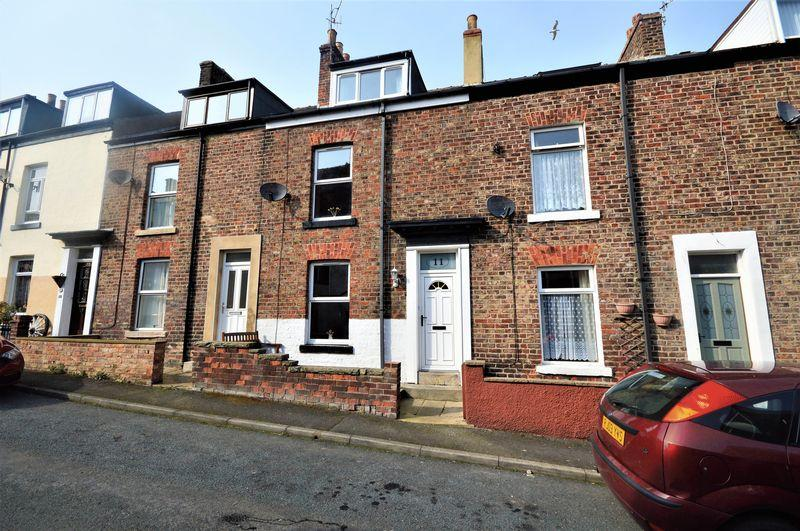 3 Bedrooms Terraced House for sale in Raglan Terrace, Whitby