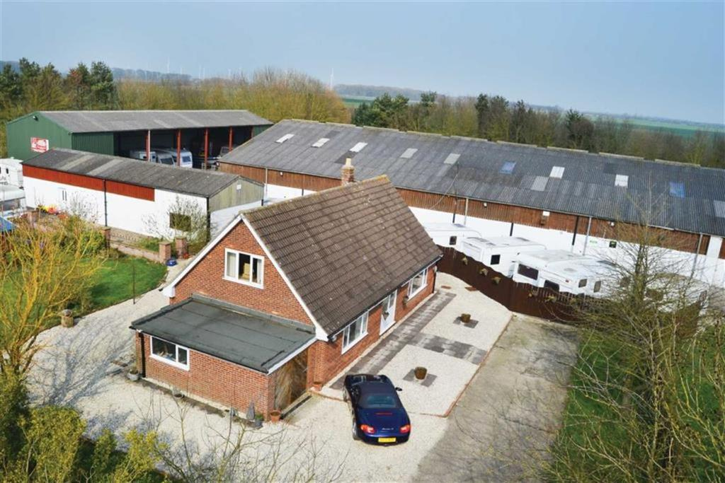 3 Bedrooms Detached House for sale in Foston Lane, Beeford, East Yorkshire