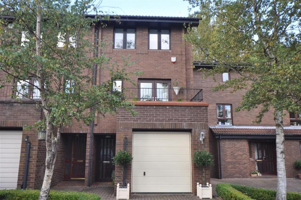 3 Bedrooms Terraced House for sale in 56 Mansionhouse Gardens, Langside, G41 3DP