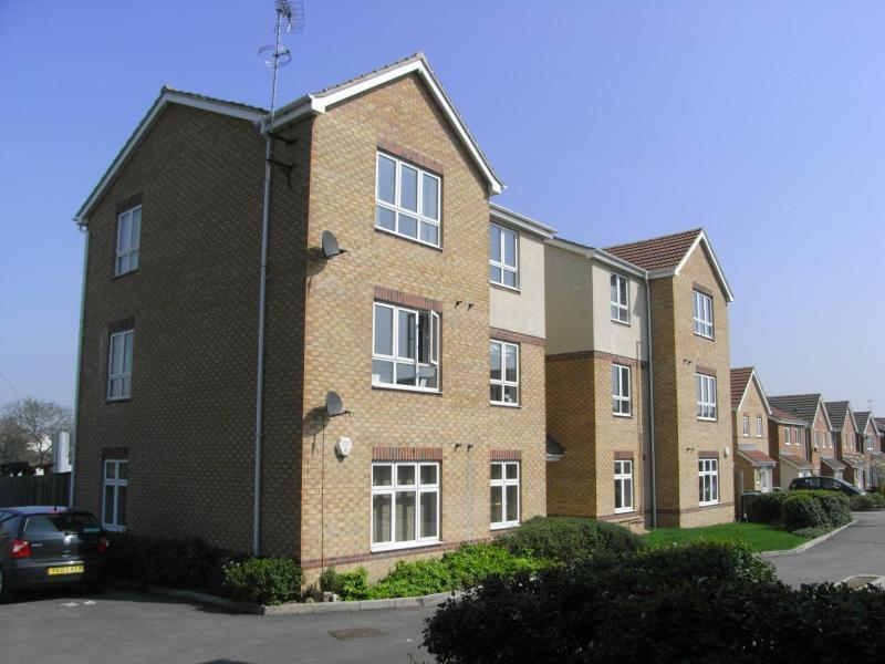 2 Bedrooms Apartment Flat for sale in Blacksmith Mews, Robin Hood, Wakefield, West Yorkshire