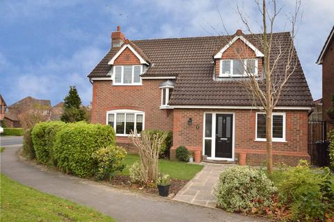 4 bedroom detached house for sale - Wike Ridge Avenue, Alwoodley, Leeds