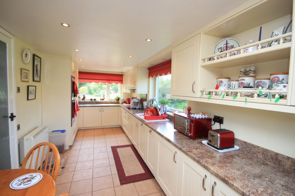 3 Bedrooms Detached House for sale in Holme Lacy, Hereford, HR2