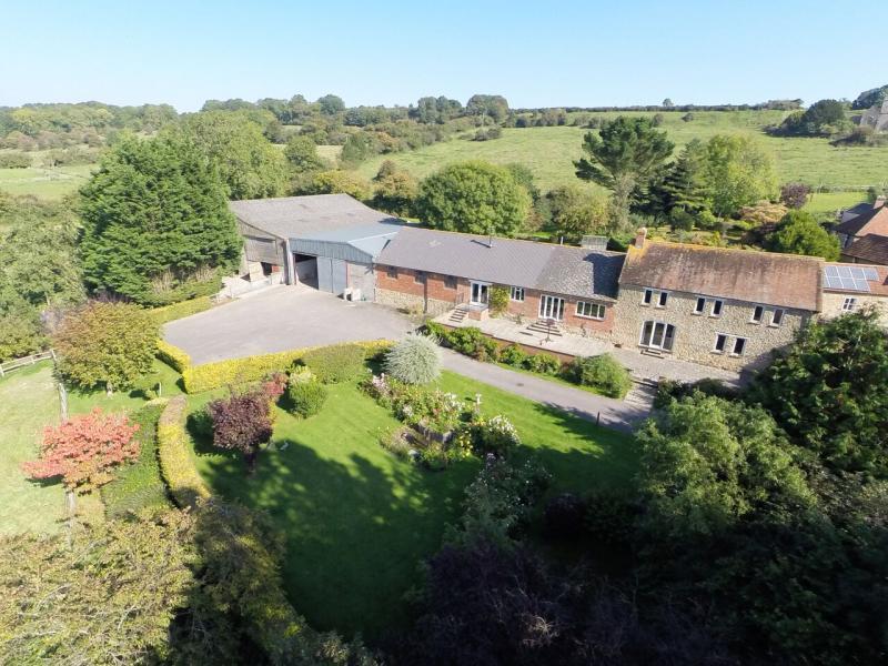 4 Bedrooms House for sale in Cucklington, Wincanton, Somerset, BA9