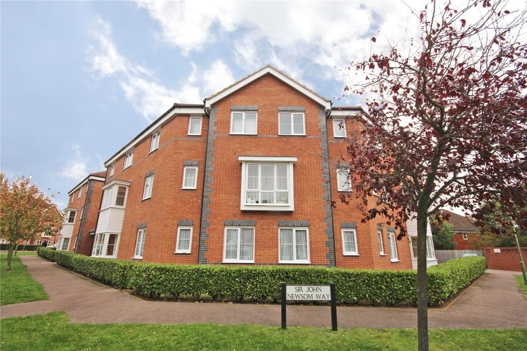 2 Bedrooms Flat for sale in Sir John Newsom Way, Welwyn Garden City, Hertfordshire